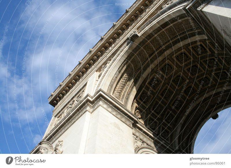 Arc de Triomphe Arche Europa Paris verziert Wahrzeichen Denkmal day large kreisverlehr hoch hinausragen daytime triomphe classical architecture