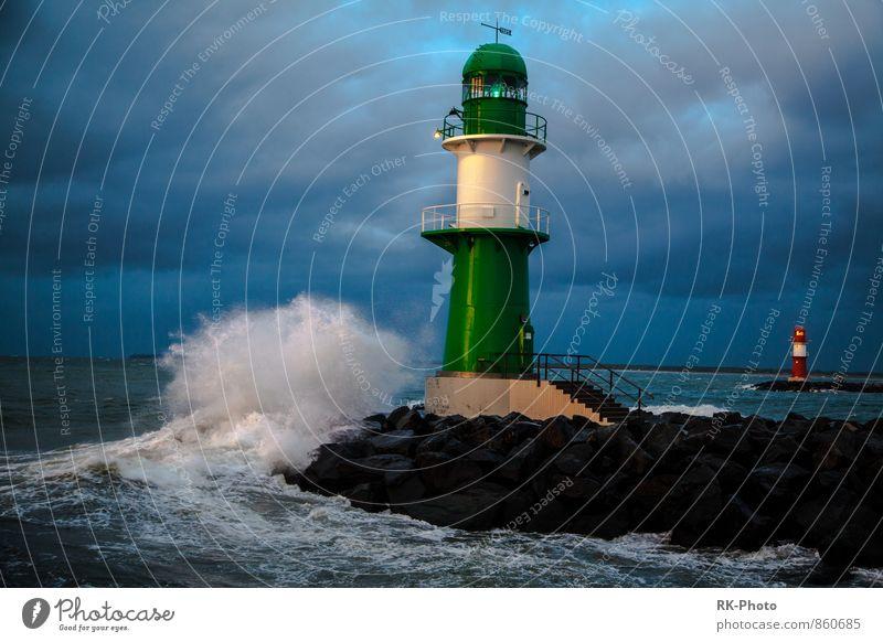 Leuchtturm Himmel Wasser Wolken Küste See Horizont Wellen Wind Wassertropfen Seeufer Bucht Ostsee Hafen Unwetter Schifffahrt Sturm