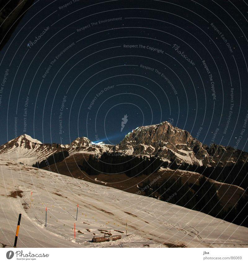 Rüebli Himmel grün Wald Schnee Gras Berge u. Gebirge Beleuchtung Stern Rücken hoch Klarheit Spitze Brunnen Tanne Grenze Zaun