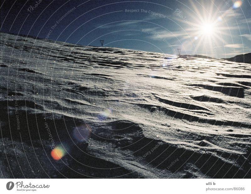 gegenlicht Schneeschuhe kalt Italien Sandverwehung wandern Gegenlicht Naturphänomene Sonnenaufgang Berge u. Gebirge Stern (Symbol)