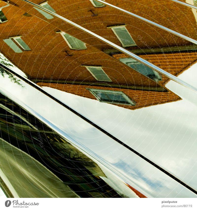 schnittmuster Spiegel Haus Wohnung Backstein geschnitten Teilung Wolkenhimmel Zerreißen diagonal Schlag Stil Quadrat verrückt Motorhaube Stadt unten
