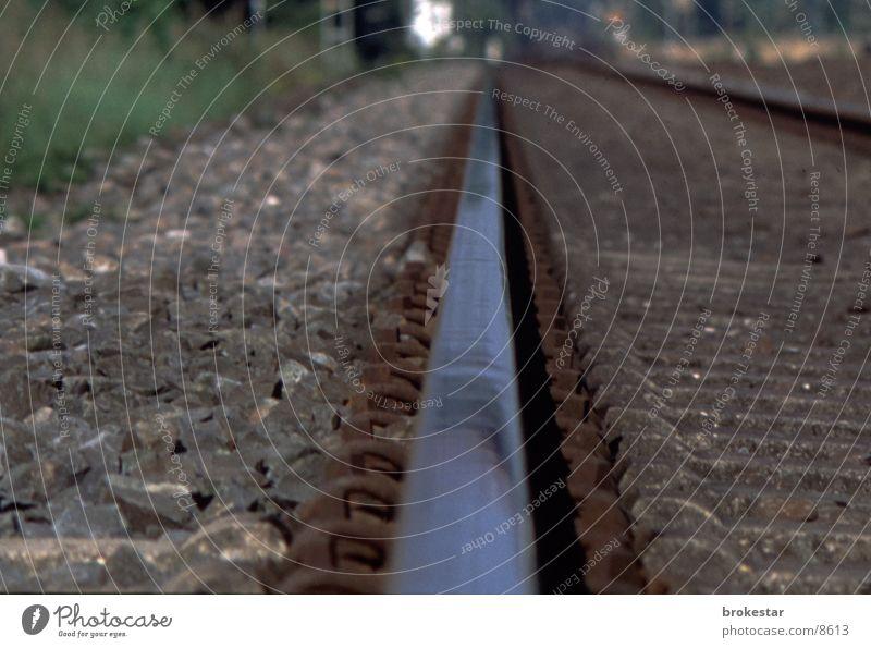 gleis 2 Gleise Eisenbahn Unendlichkeit Ferne Verkehr