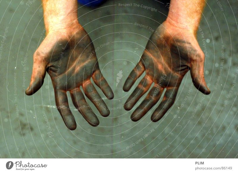 Proletariat Hand Arbeit & Erwerbstätigkeit 2 dreckig Finger Industrie Bergbau Werkstatt Mine Proletarier Braunkohlentagebau Werkzeugkasten Maurerhandwerk