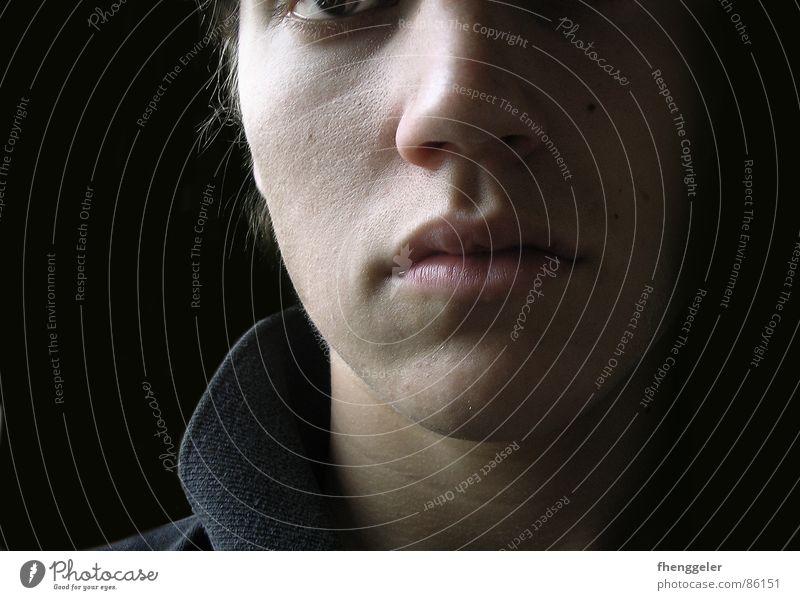 Nachdenkend Mensch Mann Gesicht Traurigkeit Denken Junger Mann Nase Trauer Konzentration ernst seriös streng Hautfarbe grimmig verbissen humorlos