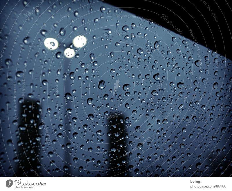 I'm only happy when it rains dunkel Traurigkeit PKW Regen Verkehr Trauer KFZ Turm Laterne Gewitter Verzweiflung Abenddämmerung Autofenster Silo Fernfahrer