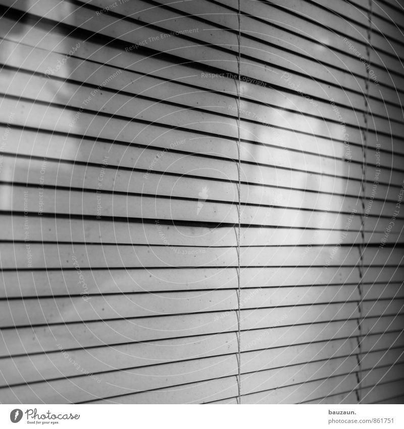 fenster. Haus Fenster Linie Wohnung Streifen Schutz Wetterschutz Einfamilienhaus Lamellenjalousie Jalousie Rollo