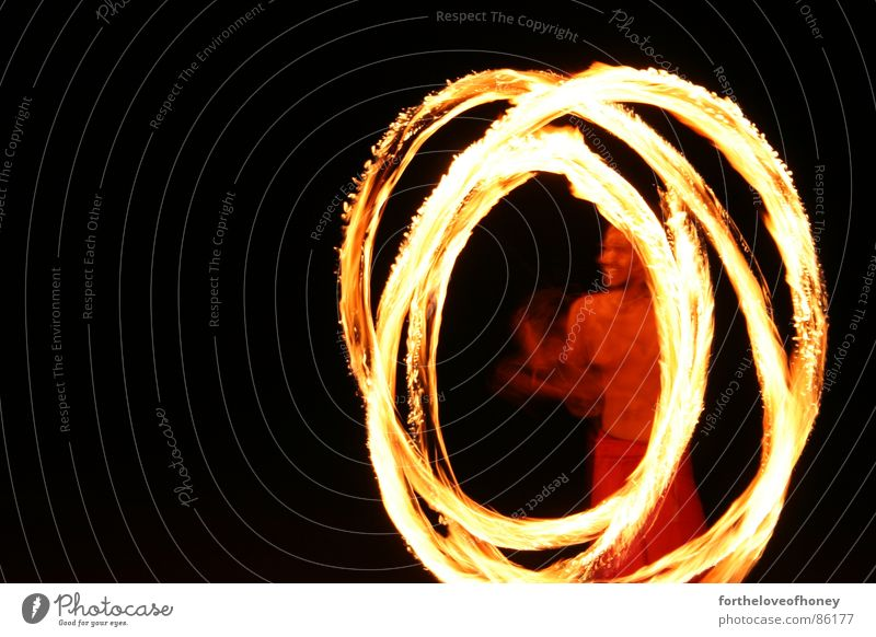 Dancing with fire rot Freude Strand gelb Brand Kreis Thailand anzünden Badestelle