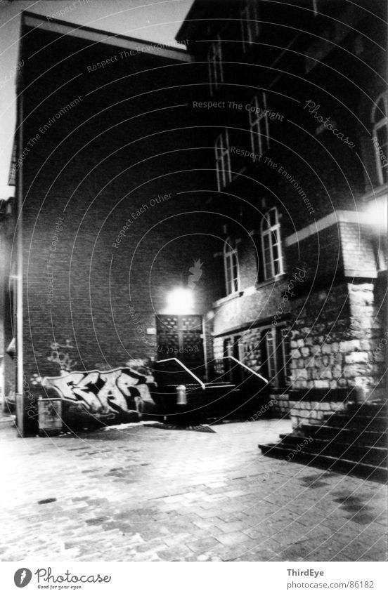 FEAR Einsamkeit dunkel Graffiti Angst Tür Treppe Ecke Bürgersteig Eingang Panik unheimlich Nacht Zugang Aachen Wandmalereien