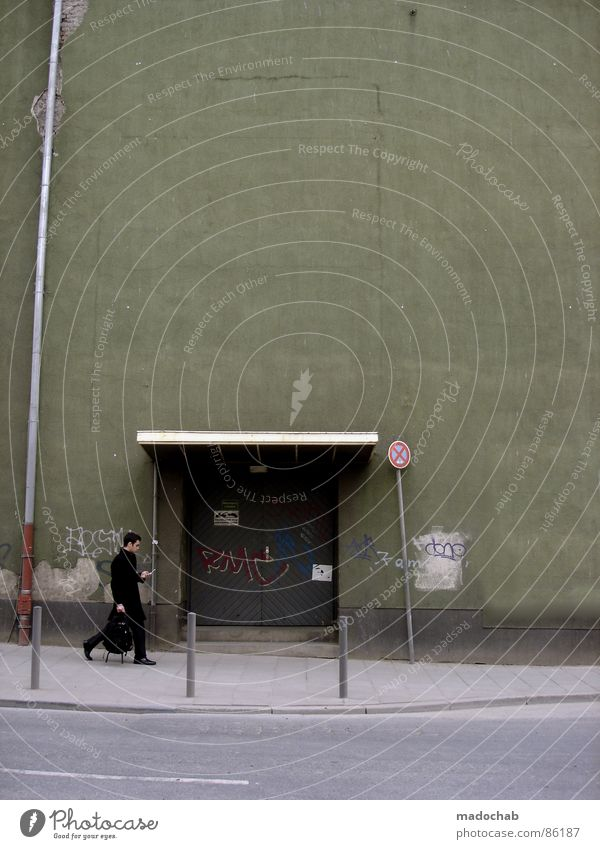 SIEHE KOMMENTAR Mensch Natur Stadt alt grün Hand Straße Wand Leben Wiese Bewegung Gras Hintergrundbild Mauer Spielen grau