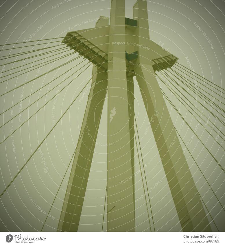 Richtig verzurrt oder Bild 30 Seil Brücke Pylon Drahtseil