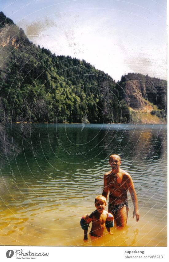 Lake Frau alt Sonne Freude Wald Liebe grau Garten Mauer See Stil Luft Schwimmen & Baden Hoffnung retro Klarheit