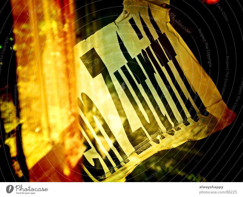 Verrückte Briten geschlossen Schilder & Markierungen Hinweisschild Vergänglichkeit Bar Gastronomie Alkohol kahl Insolvenz Empfehlung Lokal Kneipe Niederlage
