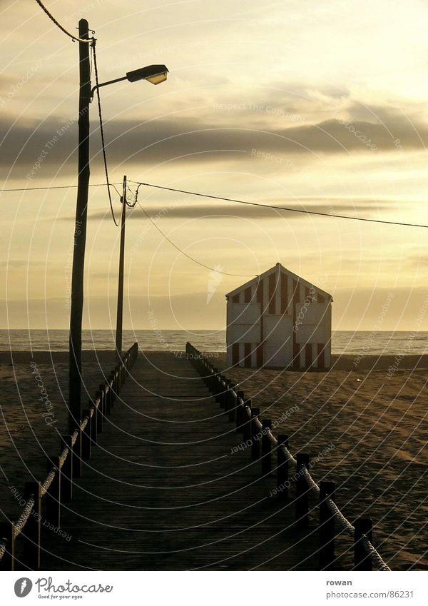 zum meer ..3 Wasser Himmel Meer grün rot Strand ruhig Haus Wolken Einsamkeit gelb Ferne dunkel Erholung Freiheit Holz