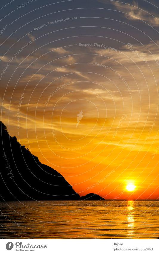 Himmel Natur Ferien & Urlaub & Reisen Pflanze Wasser Baum Sonne Meer Erholung Landschaft rot Wolken Strand Berge u. Gebirge Küste Freiheit