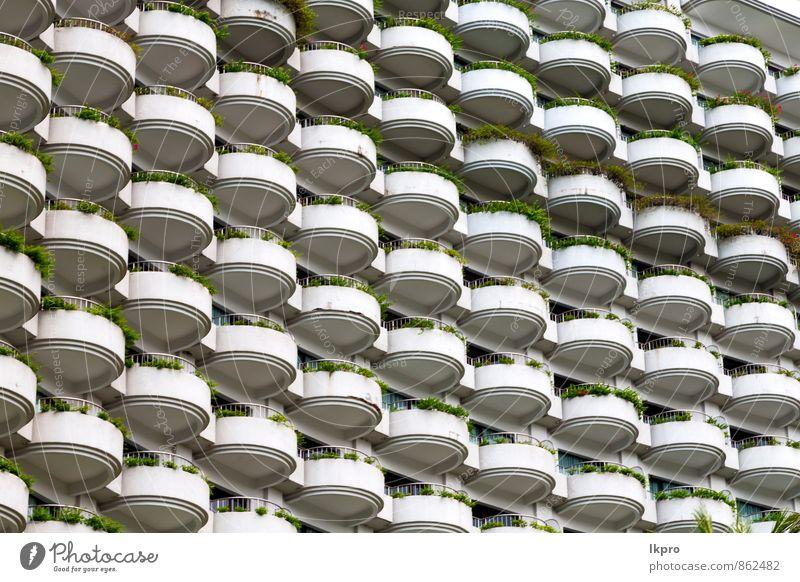 Himmel blau Pflanze grün weiß Wolken Haus schwarz Fenster Wand Architektur Mauer Gebäude grau Linie braun