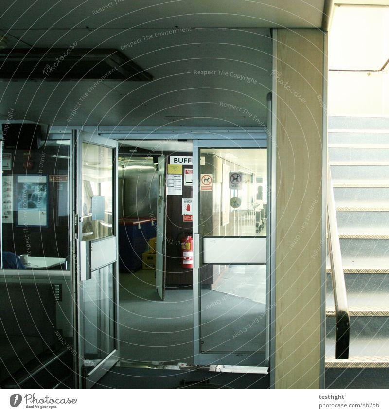 BUFF Rauchen Fähre Fluchtweg Rettung Wasserfahrzeug ankern Innenaufnahme Siebziger Jahre Achtziger Jahre Wand Laminat grau braun Ausgang Licht Tür dreckig Café