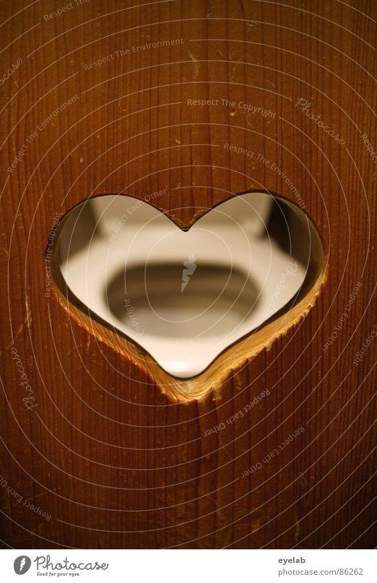 Ein Herz für Spanner Toilette Harndrang beobachten Fenster Holz Stuhlgang braun Brille WCsitz Bad Voyeurismus obskur Zufriedenheit klodeckel al bundy
