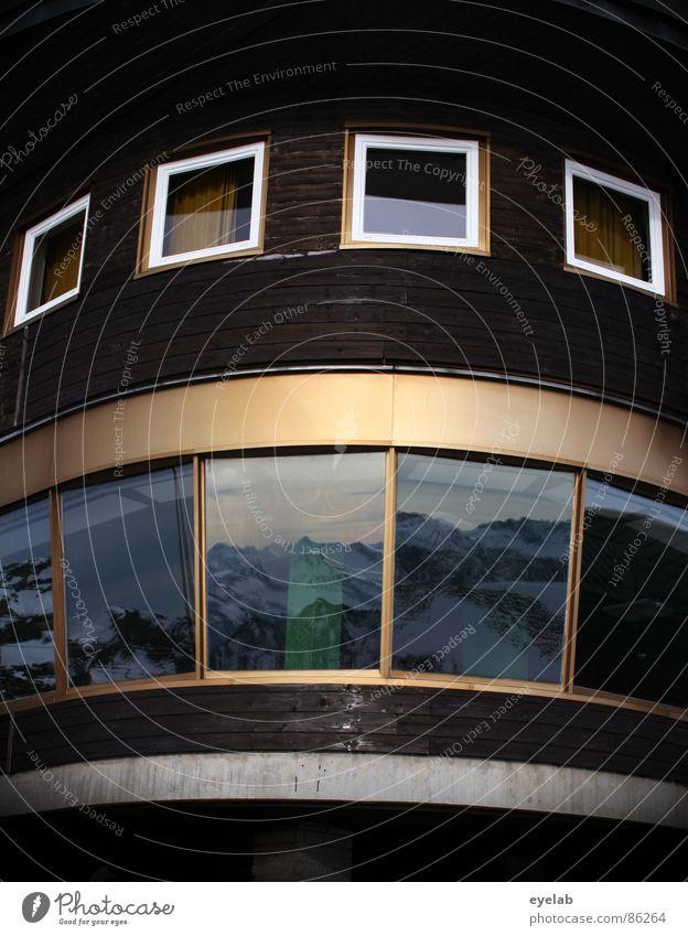 Architektonische Blähung Himmel Ferne Fenster Schnee Berge u. Gebirge Architektur Holz grau Wetter gold Aussicht Gipfel frieren Wintersport heizen Allgäu