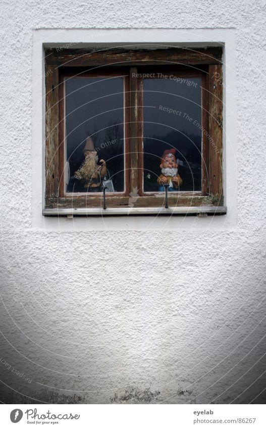 ...und wir müssen drin bleiben Freude Einsamkeit Wand Fenster Holz Traurigkeit Deutschland Zusammensein warten Glas Trauer Dekoration & Verzierung Kitsch