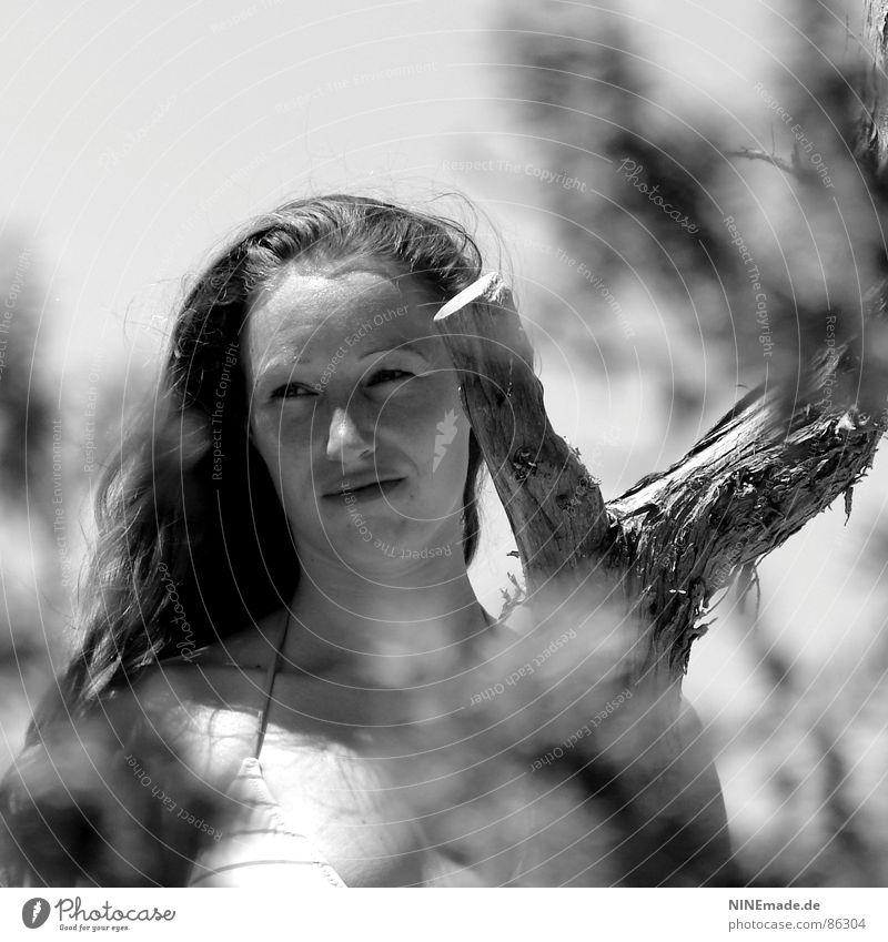 It´s me ... Sommer langhaarig Frau verträumt träumen schwarz Quadrat Sommersprossen Aussehen Perspektive Einblick Haarsträhne Bikini schön feminin Griechenland