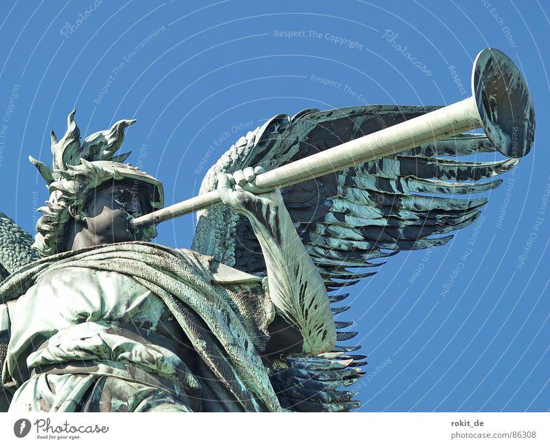 Die Blasmusik kommt dick Wachsamkeit Rüdesheim Germania Rheingau Statue Trompete Krieg laut Blech Bronze Büste Skulptur Denkmal Kriegsgott Pokal Trophäe Horn