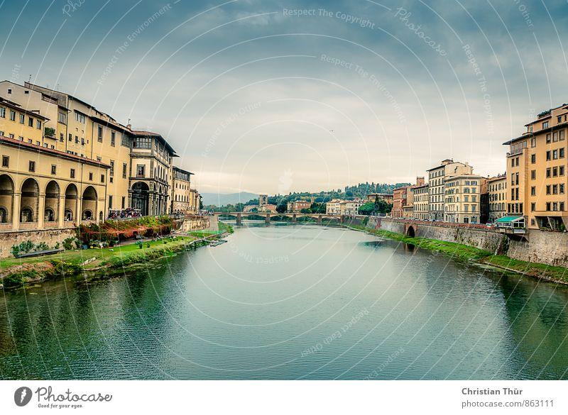 Florenz Fluss Arno Ferien & Urlaub & Reisen Tourismus Ausflug Sightseeing Sonne Wasser Wolken Sommer Schönes Wetter Gras Flussufer Italien Europa Stadt Altstadt