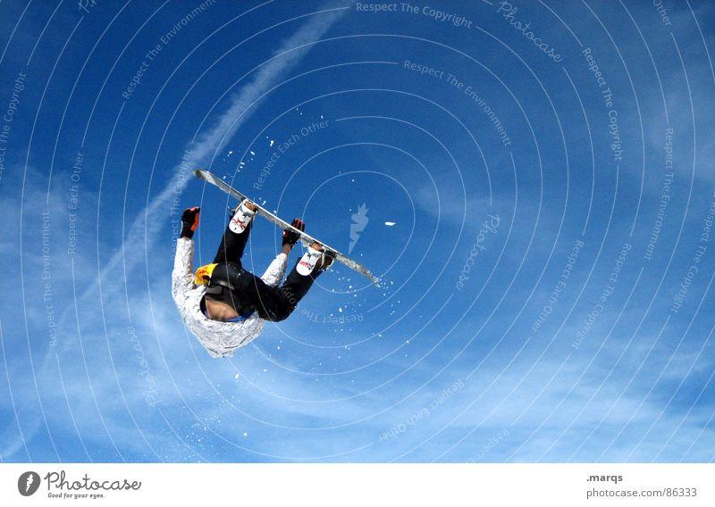 Backflip Mensch Himmel kalt Bewegung Sport springen maskulin hoch Geschwindigkeit Körperhaltung sportlich Konzentration Dynamik Orientierung rotieren Snowboard