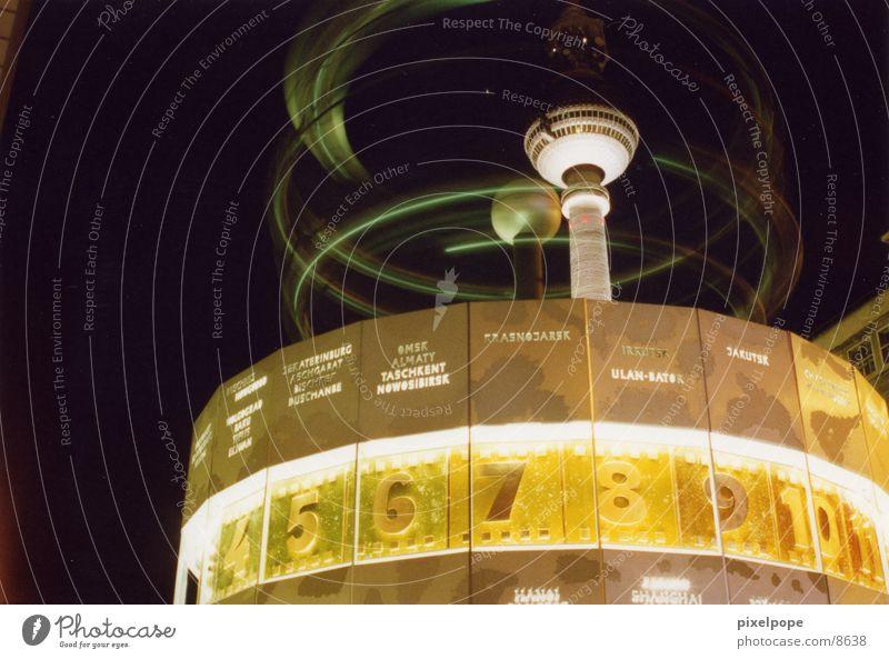 alex@night Berlin Architektur Platz Turm Uhr Berliner Fernsehturm Alexanderplatz Weltzeituhr