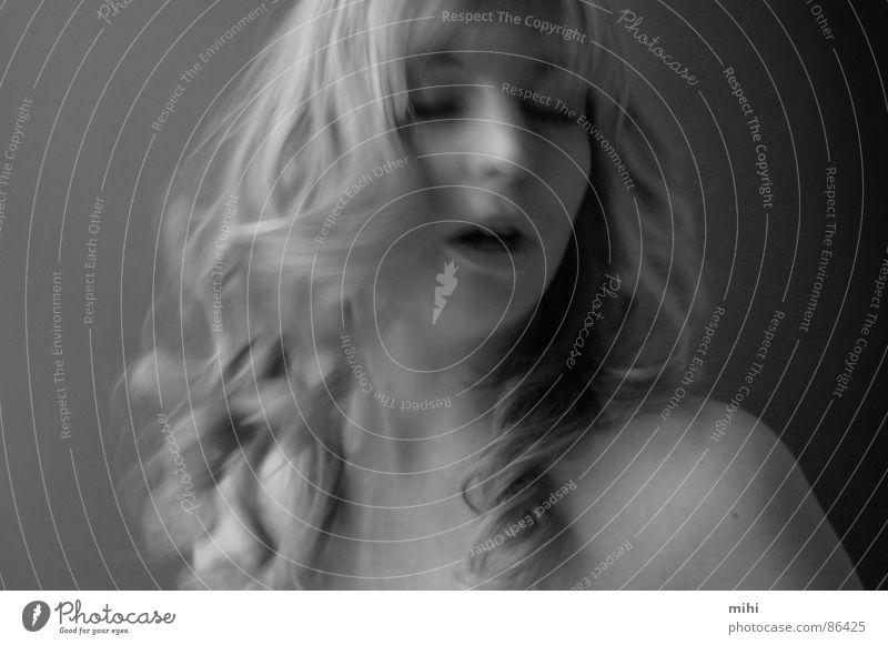mina Frau Gefühle Bewegung Haare & Frisuren blond Mund Haut Dame Traumwelt Impuls Mensch
