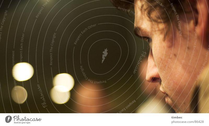 johannes Genauigkeit alt Denken spionieren bewachen Schutz Kontrolle Gier bewegungslos geradeaus Tiefenschärfe Blende Seite laut Gehörsinn beobachten Flirten