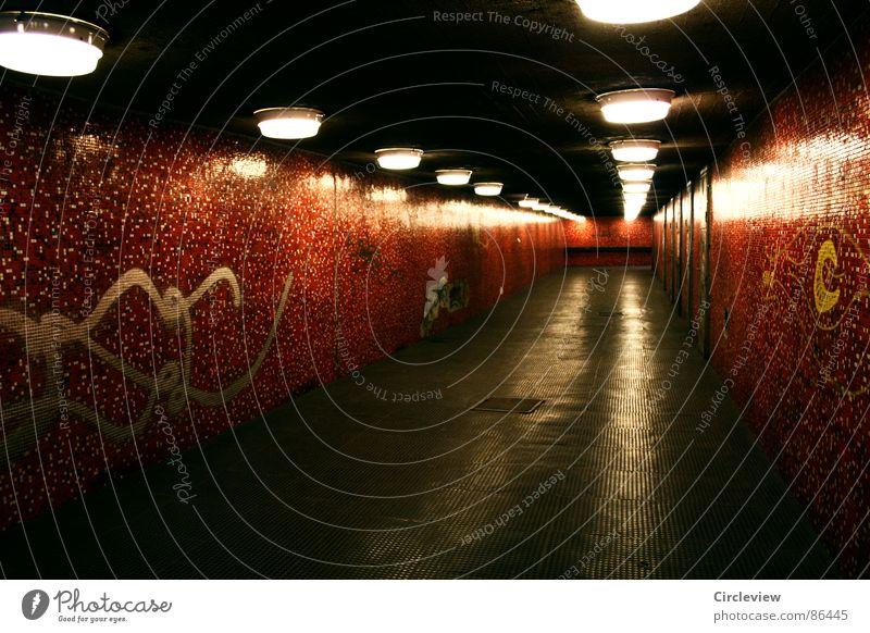 Licht im Ende des Tunnels rot Lampe Budapest Fliesen u. Kacheln light dark red