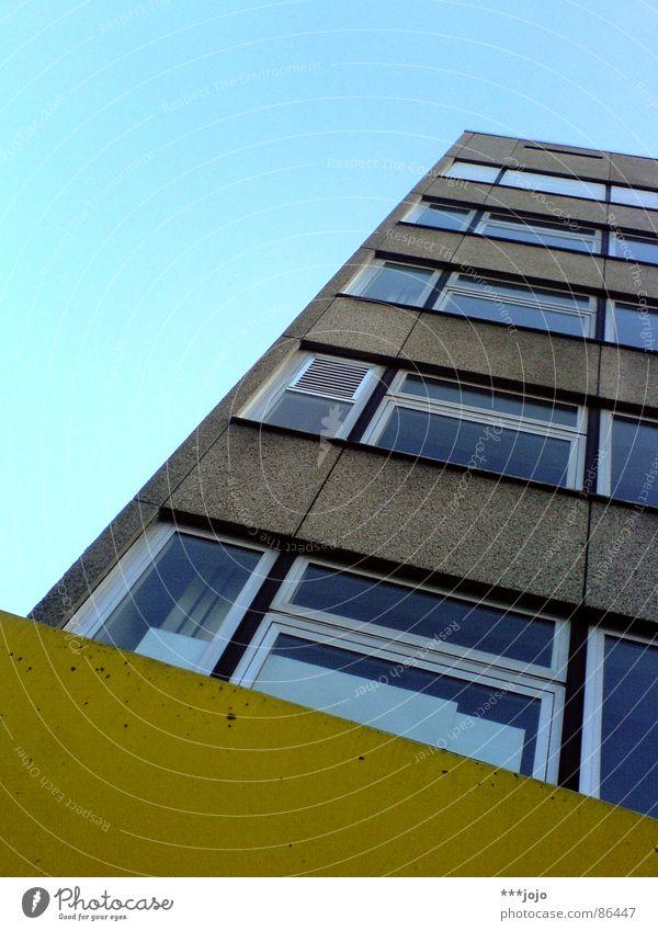 gelb ohne™ Himmel Stadt Farbe Haus Fenster Mauer Gebäude Arbeit & Erwerbstätigkeit Glas Beton modern Studium Ecke trist Baustelle