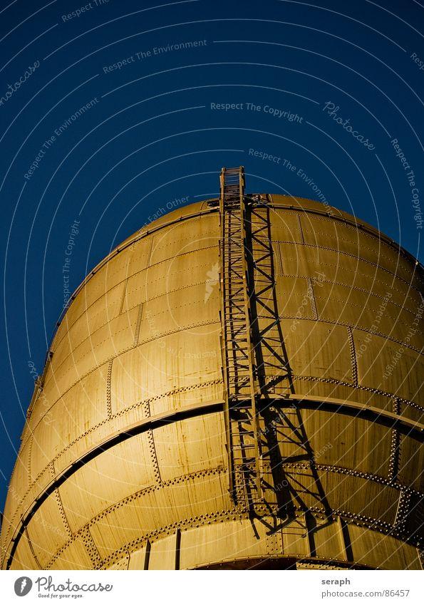 Golden Industry Himmel Stadt Umwelt Architektur glänzend Trinkwasser Turm Industrie Bauwerk Kugel Stahl Konstruktion Leiter Eisen Behälter u. Gefäße industriell