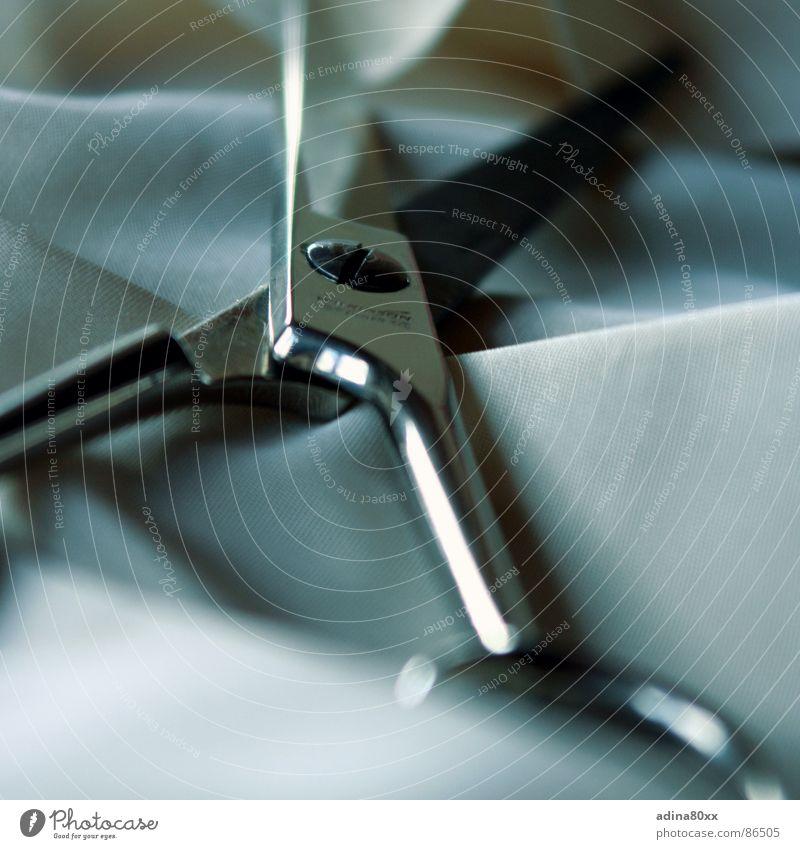 Einsatzbereit Stoff Innenaufnahme Schere Metall Scharfer Gegenstand Objektfotografie Anschnitt Bildausschnitt Detailaufnahme