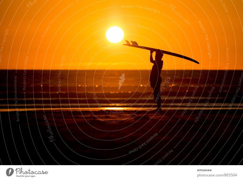 sunset surf Mensch Himmel Ferien & Urlaub & Reisen Jugendliche Wasser Sommer Sonne Erholung Meer Freude Junger Mann Strand Ferne Küste Sport Stil