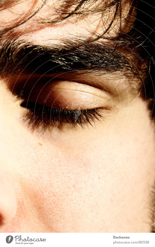 TAUB Gesicht Auge Erholung Tod geschlossen Haut Nase schlafen nah kommen Wimpern Ablehnung Halbschlaf abweisend abgelehnt