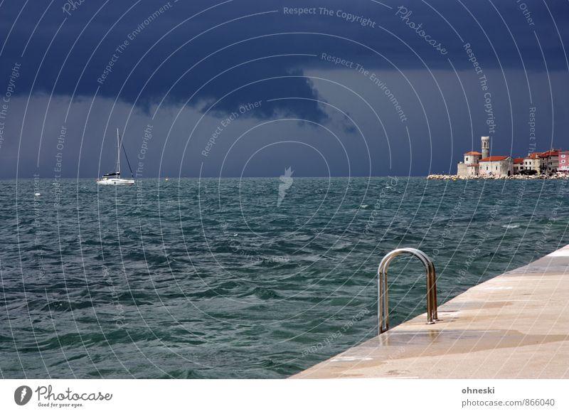 Badeanstalt Gewitterwolken schlechtes Wetter Regen Wellen Küste Meer Adria Mittelmeer Piran Slowenien Kleinstadt Bootsfahrt Segelboot Leiter Schwimmen & Baden