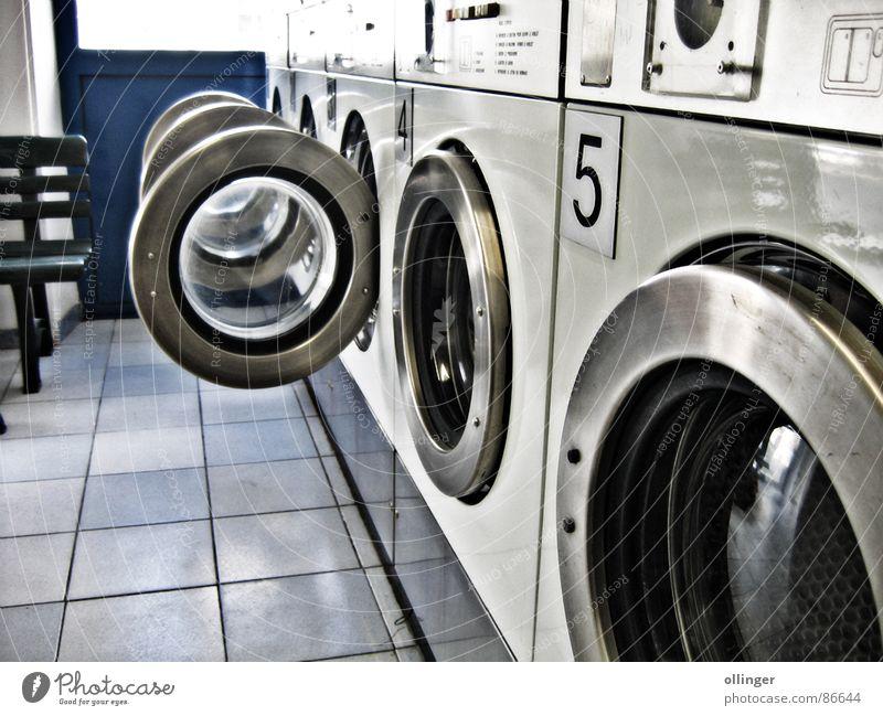 At the saloon Waschsalon Waschmaschine Wohnzimmer weich Maschine Luke Wäscherei Elektrisches Gerät Technik & Technologie Tür waschanstalt Wäsche waschen