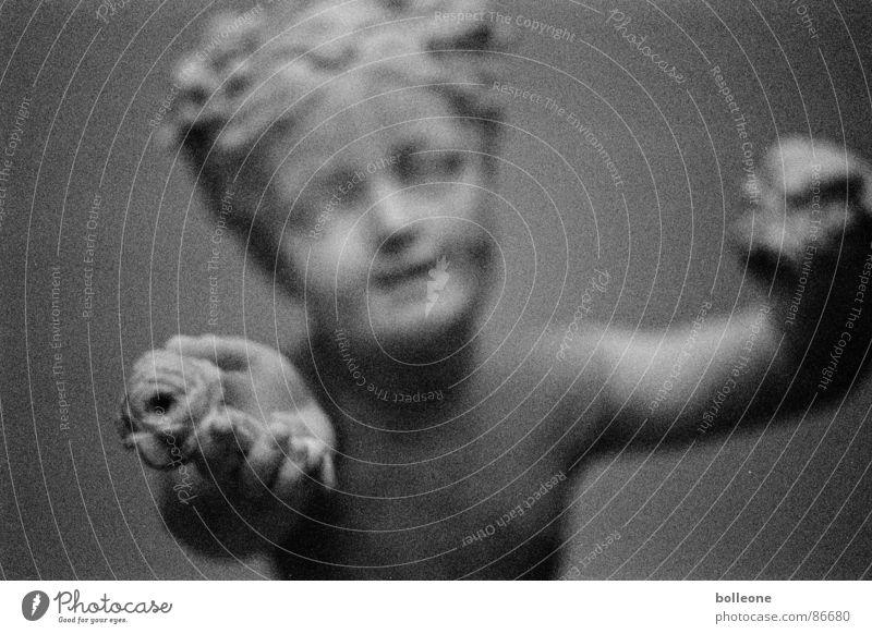 Engel Religion & Glaube Tiefenschärfe Skulptur Kunst anbieten Statue Schwarzweißfoto schön