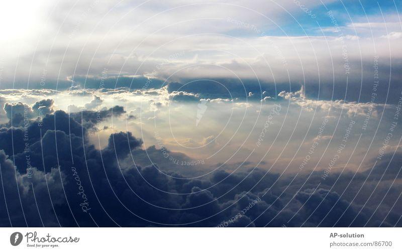 irgendwo auf dem weg nach griechenland himmelblau hell-blau Sonnenstrahlen Himmelskörper & Weltall über den Wolken Religion & Glaube Hoffnung Pause Erholung