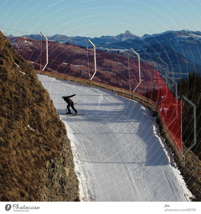 Tiefschnee? schön Schnee Gras Berge u. Gebirge Wege & Pfade Aussicht Netz Schutz Stock verloren Fangnetz Berghang Skifahrer Wintersport Skipiste