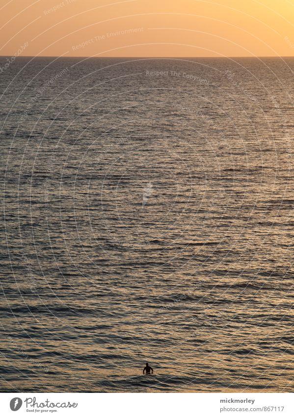 Me against everything Lifestyle harmonisch Zufriedenheit Sinnesorgane Tourismus Abenteuer Freiheit Horizont Wellen Küste Reinigen Schwimmen & Baden Wachstum