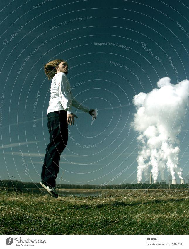 abflug Himmel grün Freude Wolken Wiese oben springen Gras Haare & Frisuren Frühling Kraft hoch fliegen Geschwindigkeit Energiewirtschaft Luftverkehr