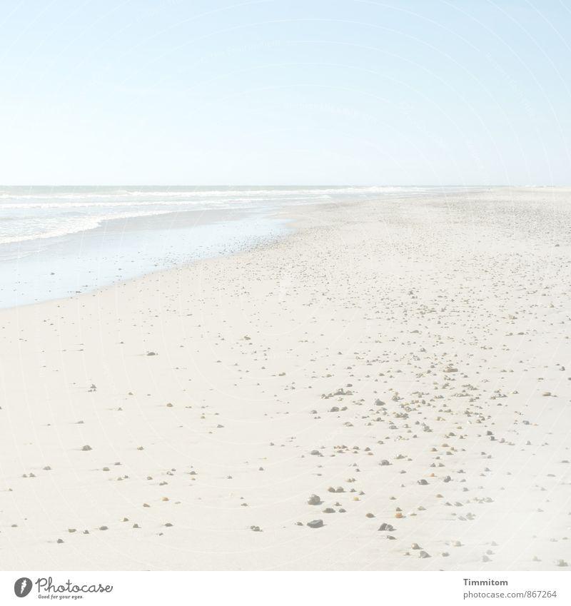 Weichspüler. Ferien & Urlaub & Reisen Umwelt Natur Landschaft Urelemente Sand Wasser Himmel Sonnenlicht Sommer Schönes Wetter Wellen Strand Nordsee Stein