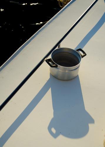 Solarkocher Wasser Sommer ruhig Wärme Stil Zeit Linie Idylle Zufriedenheit Ernährung Sauberkeit rein trocken gut Stahl Dienstleistungsgewerbe
