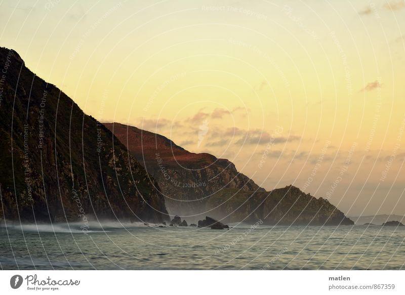 Kulisse Landschaft Wasser Himmel Wolkenloser Himmel Horizont Sonnenaufgang Sonnenuntergang Sommer Wetter Schönes Wetter Felsen Berge u. Gebirge Wellen Küste