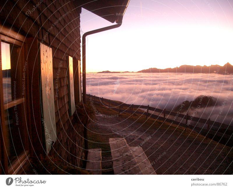 Über den Wolken Himmel Sonne Wolken Haus Fenster Berge u. Gebirge Horizont Dorf aufstehen