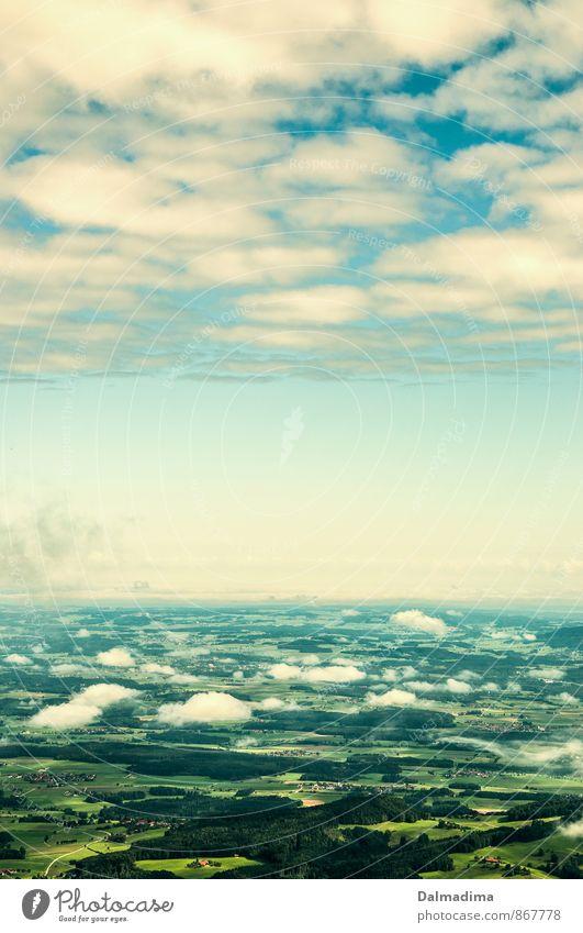 über den Wolken Himmel Natur grün Landschaft Umwelt Berge u. Gebirge natürlich oben hell fliegen Horizont Luft Wetter Feld wandern