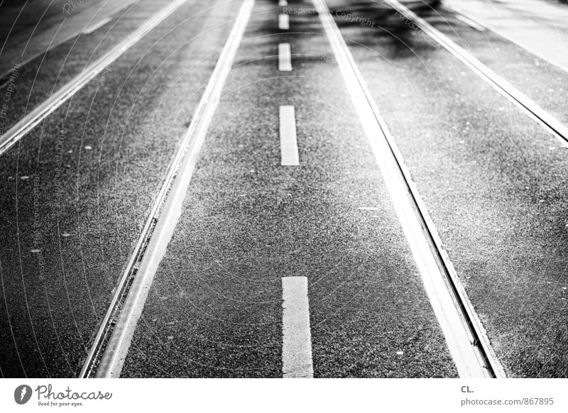 runter von der straße Stadt Straße Wege & Pfade Linie Verkehr Perspektive Zukunft Streifen Ziel Verkehrswege Autofahren Straßenverkehr Verkehrsschild