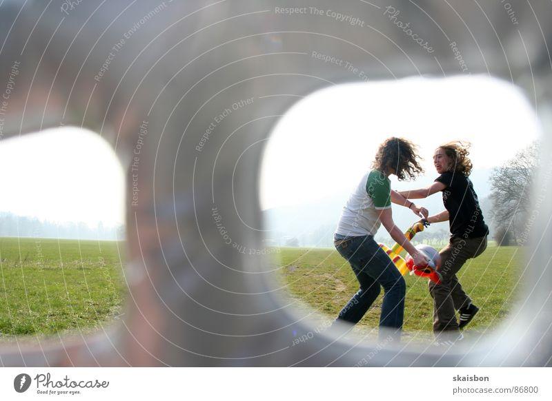durchblick behalten Freude Bewegung Luft lustig Kraft Angst gefährlich Luftverkehr Aktion Kraft Perspektive Körperhaltung beobachten Aussicht Spielzeug Wut